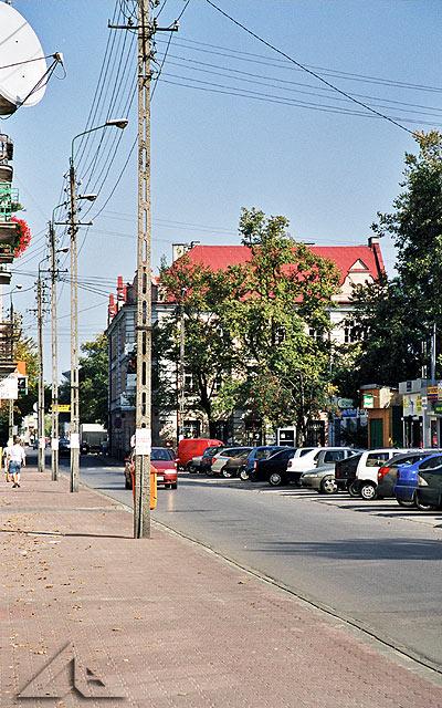 Ulica Wileńska.<br>W tle budynek szkoły podstawowej nr 1.