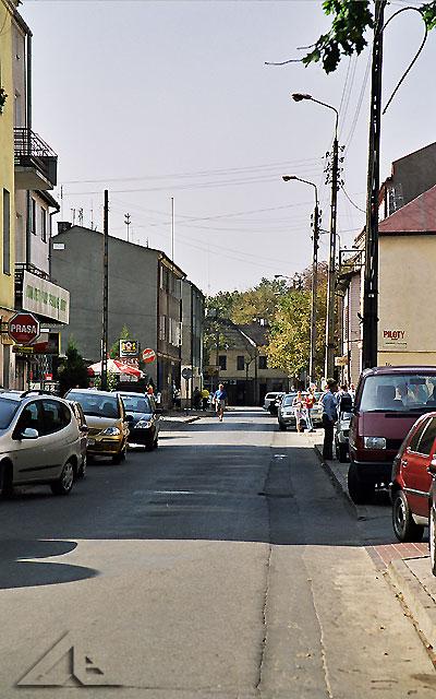 Sobotni poranek na ulicy Kościelnej.<br>Daleko w tle widać ulicę Legionów.