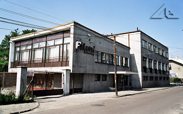 Restauracja 'Falcon' przy ulicy Mickiewicza mieści się vis a vis kina 'Kultura'.<br>W tym budynku znajdowała się restauracja 'Staropolska'.