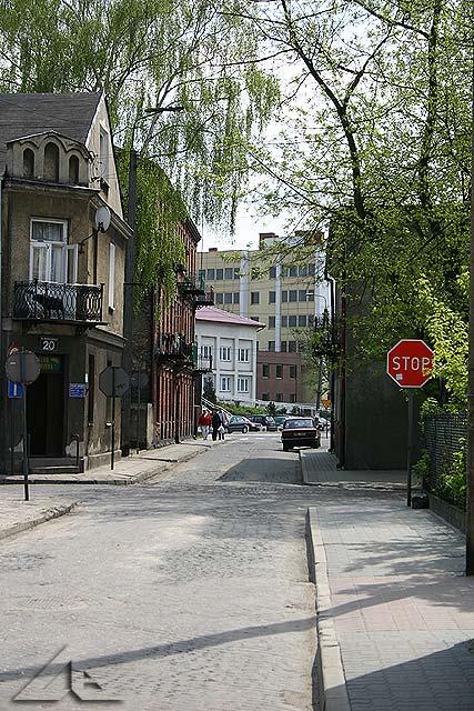 Sąd rejonowy oraz Urząd Starostwa Powiatowego widziany z ulicy Szopena