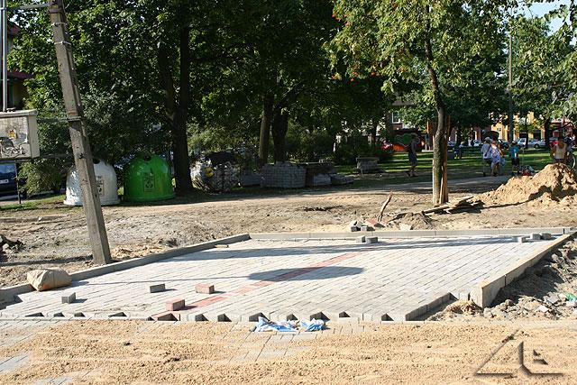 Prace remontowe przy placu 3 maja.