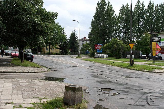 Skrzyżowanie ulic Fieldorfa oraz 1 maja.