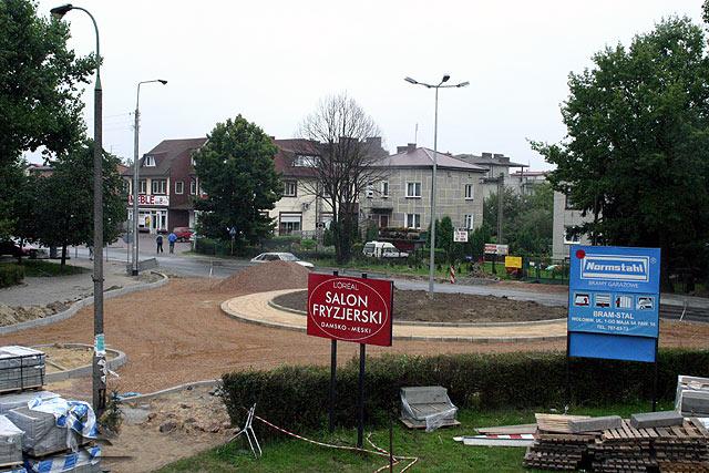 Budowa ronda przy ulicy Fieldorfa