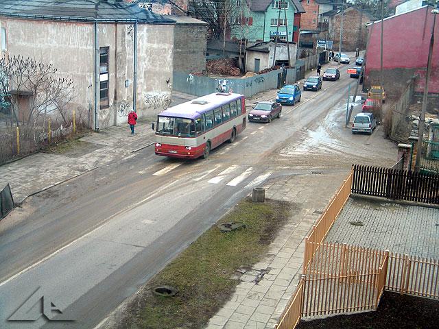 Widok w kierunku zachodnim na ulicę Wileńską. Okolice dawnej huty szkła.