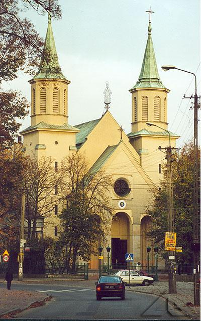 Najstarsza świątynia w Wołominie pw. Matki Boskiej Częstochowskiej.