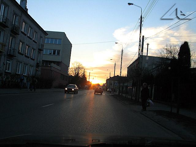 Zachód słońca nad ulicą Wileńską.