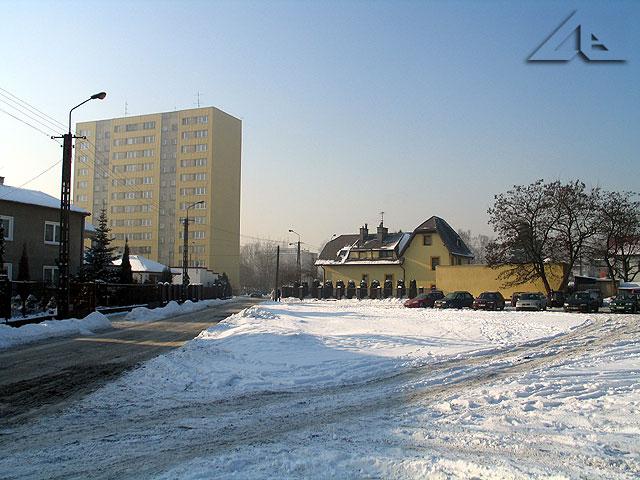 """Widok ze skrzyżowania ulic Przejazd i Lipińskiej na osiedle """"Lipińska""""."""