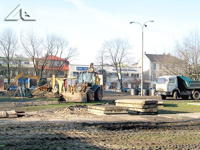 Prace remontowe na Placu 3 Maja.