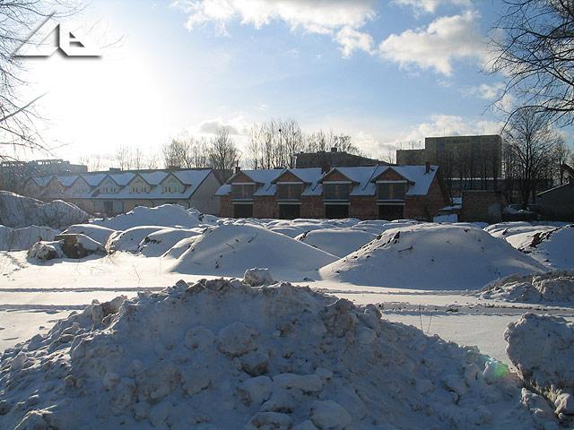 Spóźniona zima w Wołominie - widok z ulicy Lipińskiej w kierunku południowo-zachodnim.