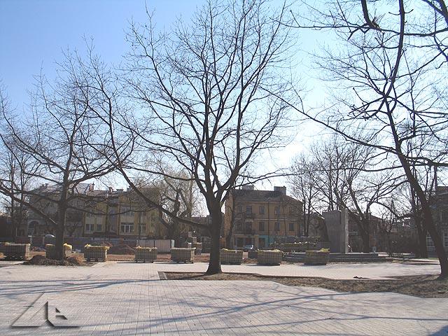 Modernizacja Placu 3 maja - widok w kierunku południowym, w tle widoczny pomnik Jana Pawła II