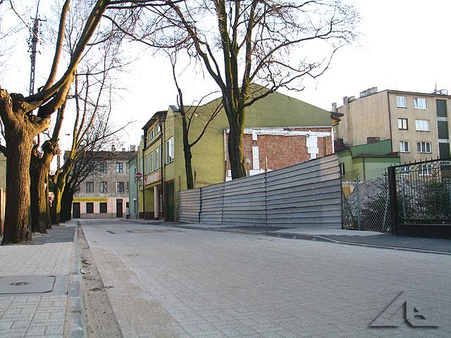Ulica Przechodnia - sala gimnastyczna przy dawnej szkole podstawowej nr 1 została w ostatnim tygodniu zdemontowana.