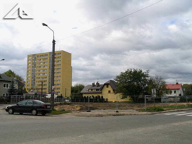 """W tym miejscu powstanie nowoczesny budynek mieszkalny """"Platinium Plaza"""""""