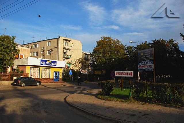 """Osiedle """"Słoneczna"""", widok na Aleję Niepodległości (dawniej ulica Hibnera) w kierunku południowo-wschodnim"""