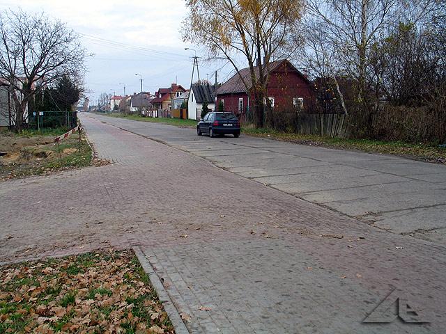 Widok w kierunku wschodnim ze skrzyżowania ulic Reja i Lipińskiej.
