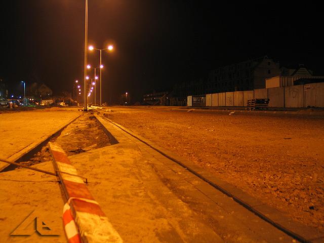 Widok w kierunku południowym na remontowany odcinek drogi ulicy Reja ze skrzyżowania ulic Kościelnej i Reja