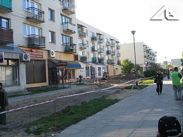 Rozpoczęte prace remontowe na pasażu Osiedla Niepodległości. Widok w kierunku południowo-wschodnim.<br>Prace rozpoczęły się 5 maja 2008 r.