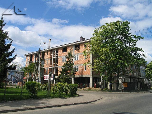 Nowa inwestycja na osiedlu Słoneczna przy skrzyżowaniu ulic Zakładowej i Niepodległości. Widok w kierunku północno-zachodnim.