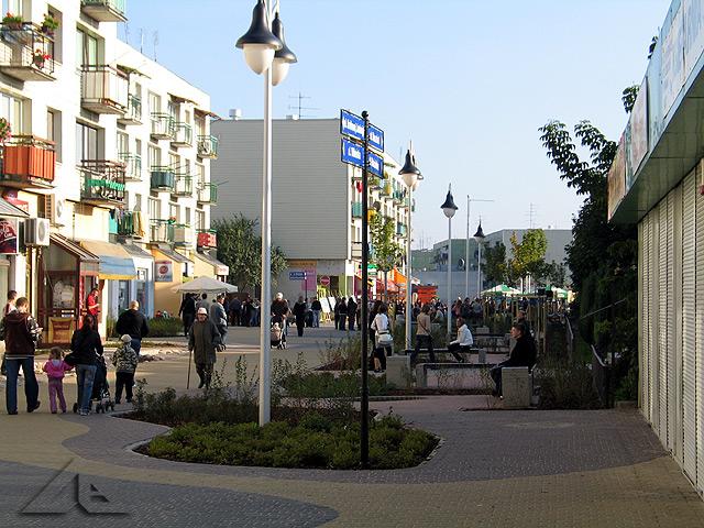 Oficjalne otwarcie pasaża na osiedlu Niepodległości. Widok w kierunku południowym.