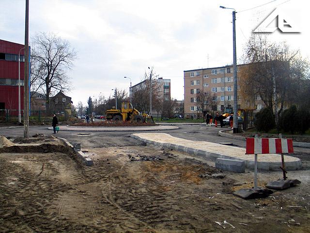 Budowa nowego ronda na skrzyżowaniu ulic Wileńska i Sikorskiego. Widok w kierunku w kierunku południowo-zachodnim.