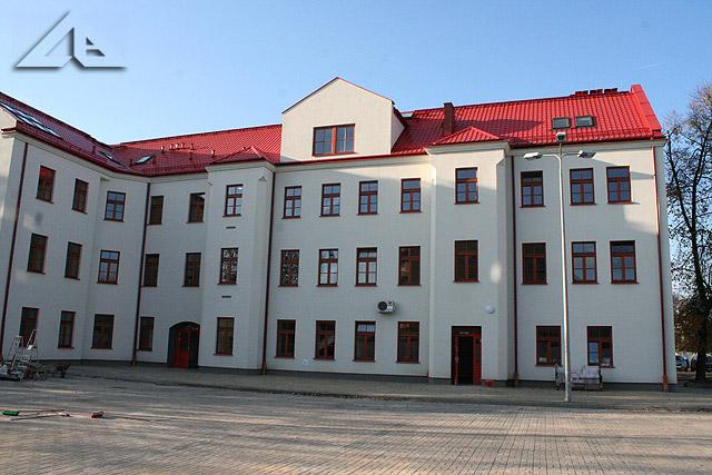 Wyremontowany budynek dawnej szkoły nr 1 przy ulicy Wileńskiej