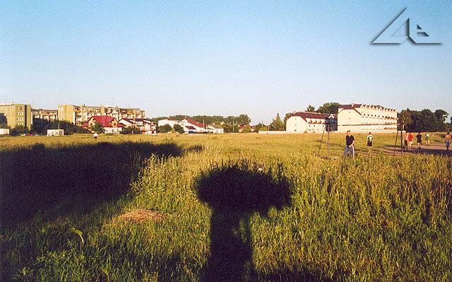 Polanka koło kościoła M.B. Częstochowskiej. Widok od ul. Kościelnej w kierunku ul. Reja.