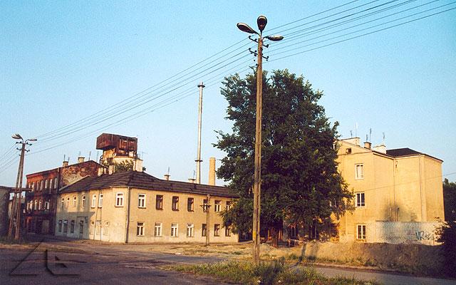 Róg ulic 6 Września i Żelaznej. Widok od strony torów kolejowych.