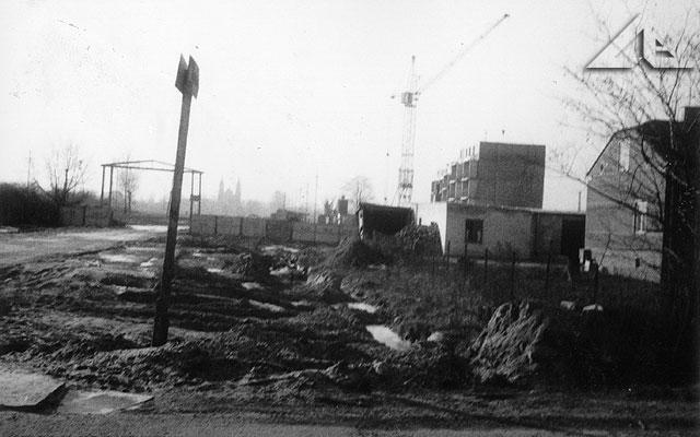 Zaawansowane prace w trakcie budowy pierwszych bloków przy ulicy Kościelnej.