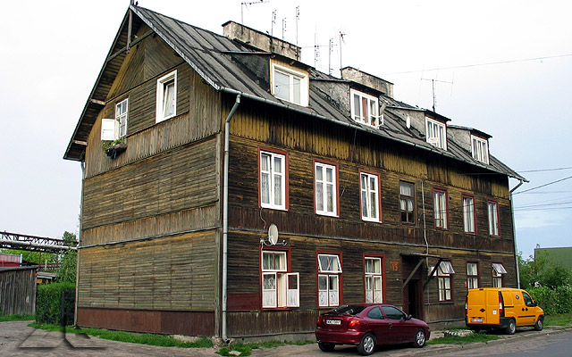 """Na ulicy Sikorskiego koło """"grzybka"""" stoi stary dom, który pamiętam od początku moich dni :)"""